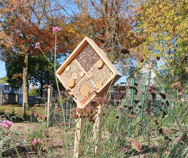 We hebben een bijenhotel
